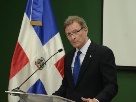Quién-es-Roberto-Álvarez-el-nuevo-canciller-dominicano-nombrado-por-Abinader